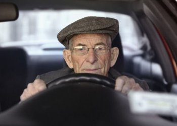 gps tracker for elderly drivers